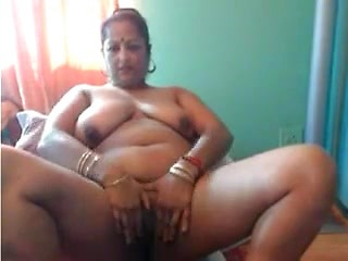 Chubby Indian Womany Showing Her Asset On Cam